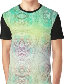 Happy Travelling Graphic T-Shirt