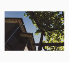 Summer Courtyard - Decorated Eaves and Grape Arbors in the Sunshine Kids Tee