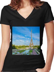 paris de ensueño Women's Fitted V-Neck T-Shirt