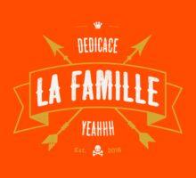DEDICACE LA FAMILLE V2 Kids Tee