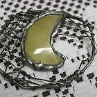 Glass and wire-mesh brooch by Maree  Clarkson