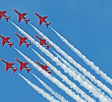 Red Arrows - Blue Sky - Farnborough 2014 by Colin  Williams Photography