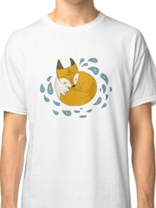 Sleepy fox Classic T-Shirt