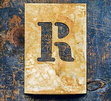 Letter R by Ricard Vaqué