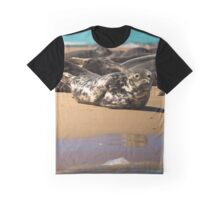 Beautifully Poised Seal Graphic T-Shirt