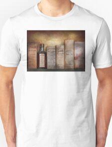 Pharmacy - I'm in so much pain Unisex T-Shirt