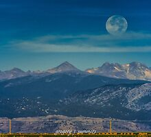 Moonset Over Indian Peaks by nikongreg