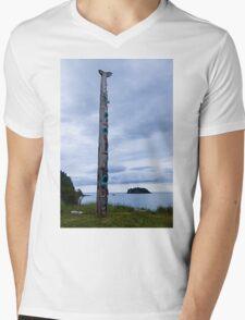 T'aanuu Llnagaay Totem Pole @ Haida Heritage Center Mens V-Neck T-Shirt
