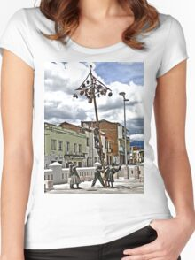 Family Afternoon Fun Women's Fitted Scoop T-Shirt