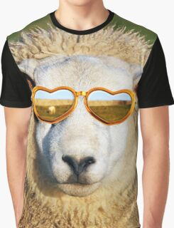 Sheep wearing heart shaped glasses Graphic T-Shirt