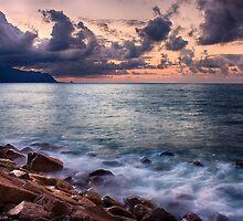 Sundown by Diogo Pereira