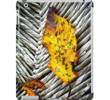 Fallen yellow leaf iPad Case/Skin