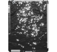 Dancing Waves of Light. iPad Case/Skin