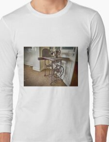 lost Sewing machine Long Sleeve T-Shirt