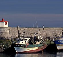 Along the pier in the harbor of Barfleur by cclaude