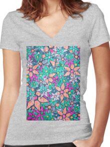 Vintage Trendy Floral Pattern Women's Fitted V-Neck T-Shirt