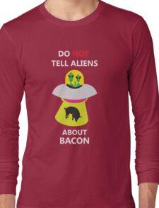 alien kidnap bacon Long Sleeve T-Shirt