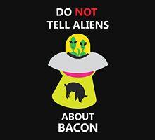 alien kidnap bacon Unisex T-Shirt