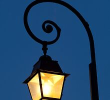 Streetlamp in Fontainebleau by PhotoBilbo