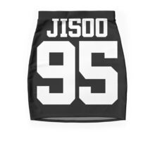 BLACKPINK Jisoo 95 (White) Mini Skirt