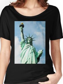 The Symbol. Staue of Liberty, New York. Women's Relaxed Fit T-Shirt