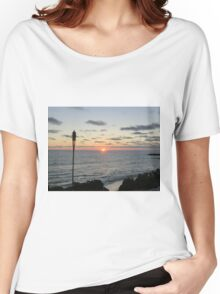 Mid -Summer Tiki Set Women's Relaxed Fit T-Shirt