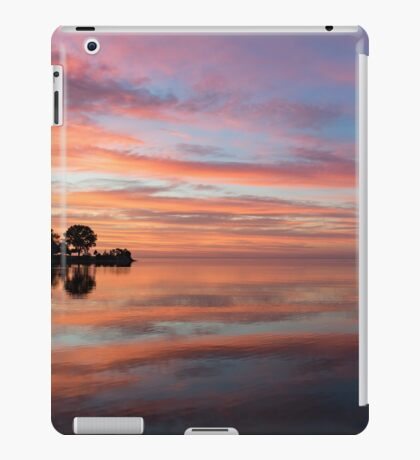 Colorful Morning Mirror - Spectacular Sky Reflections at Dawn iPad Case/Skin