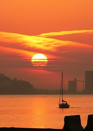 Sunset. Rio Tejo. Lisboa by terezadelpilar~ art & architecture