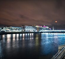 Pacific Quay Long Exposure by Stevie B