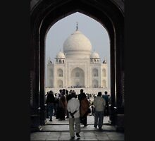 Taj Mahal Through The Gate Unisex T-Shirt