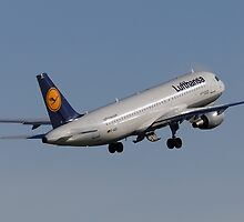 Lufthansa A320 by TomGreenPhotos