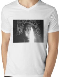 notorious BIG spits fire Mens V-Neck T-Shirt