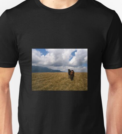 Wild horses and ominous clouds Unisex T-Shirt