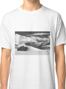Piana of Castelluccio in winter in black and white Classic T-Shirt