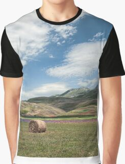 The flowering of Castelluccio under a blue sky Graphic T-Shirt