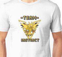 Team Instinct pokemon go Pixelart Unisex T-Shirt