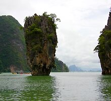 Phangnga Bay - Thailand by Robyn Williams