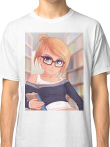 Library Girl Classic T-Shirt