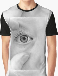 Forceful Eye Graphic T-Shirt
