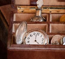 Time In A Box by Antonio Arcos aka fotonstudio