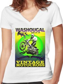 """""""WASHOUGAL MOTOCROSS"""" Vintage Motorcycle Advertising Print Women's Fitted V-Neck T-Shirt"""