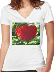 Single Red Rose Women's Fitted V-Neck T-Shirt