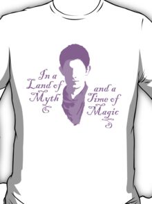 Merlin Myth - purple pale T-Shirt