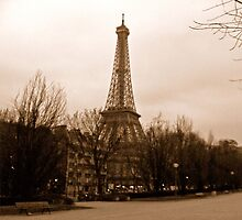 Eiffel Tower at dusk by IntrovertArt