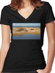 Water By The Ocean Women's Fitted V-Neck T-Shirt