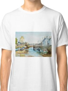 Ebb tide in Castletown Harbour, Isle of Man Classic T-Shirt