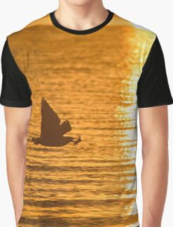 Larus Smithsonianus - American Herring Gull Flying With A Crab In Its Beak | Springs, New York Graphic T-Shirt