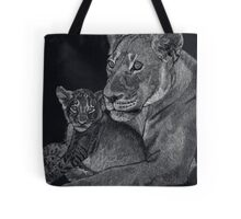 Mother's arms Tote Bag