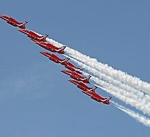 Diamond Roll - The Red Arrows - Farnborough by Colin J Williams Photography