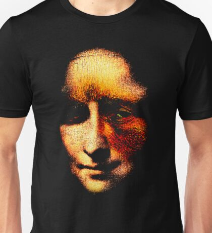 monalisa with eyes that watch the world and can't forget Unisex T-Shirt